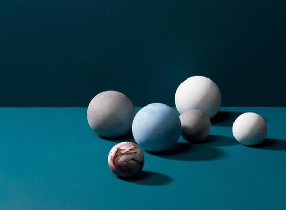 Concrete_Planets_Paperweights_by_Korridor_-_MOXON_grande