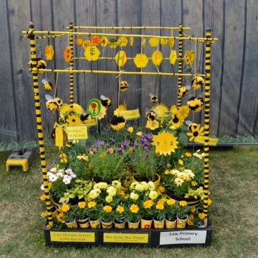 North Berwick Bee Kind Bee Happy pallet garden by children
